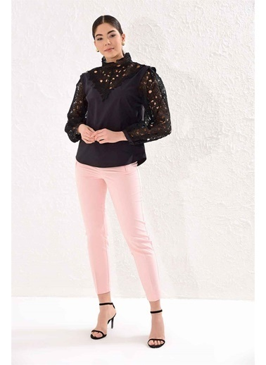 Setre Siyah  Dik Dantel Yaka Dantel Uzun Kol Kumaş Mixli Poplin Bluz Siyah